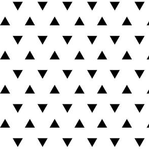 triangles // black