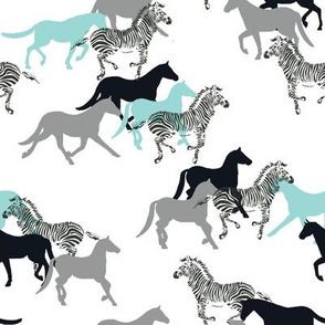 HORSE_AQUA_grey