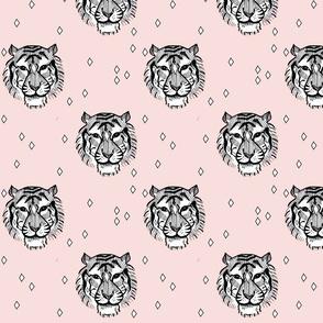 light pink tiger - elvelyckan