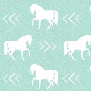 horse mint linen