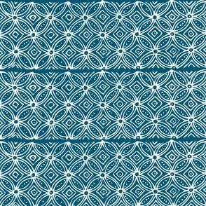 Cathedral wiindow - white-dkblue - virtual-batik-stamp
