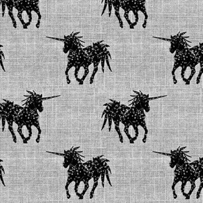 Unicorn black on linen