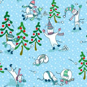 Cat (snowball) fight!