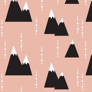peach mountain - elvelyckan