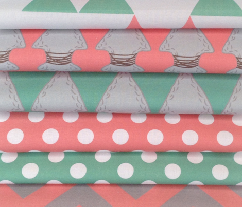 Quiver Full of Arrows Polka Dots in Green