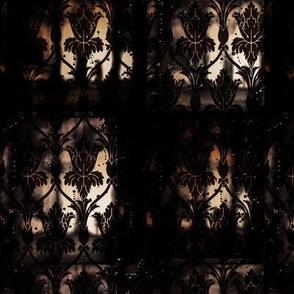 Gothic Fleur de lis Trellis