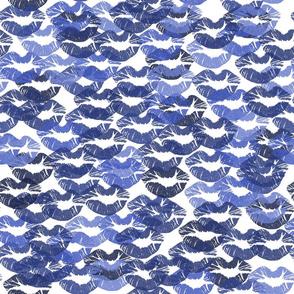 lip_paper_blue