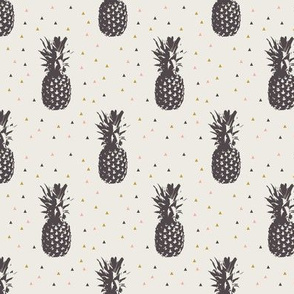 Pineapples // neutral