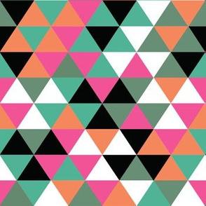tessuto_triangolicolori