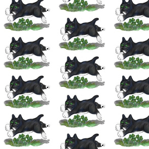 Kitten_Leaps_Over_a_Four_Leaf_Clover_-_Spoonflower