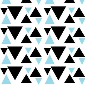 kolmiot_musta_babyblue