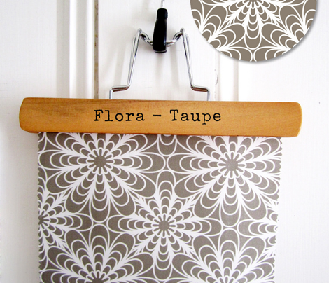 Flora - Geometric Flowers Taupe