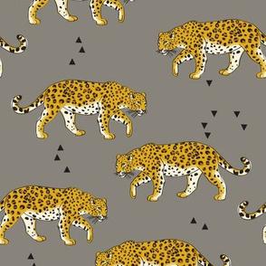 leopardGrey