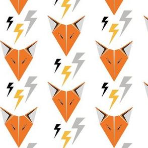 Fox Head and Lightning/white