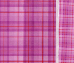 R14_pink_plaid_new_small_comment_563388_thumb