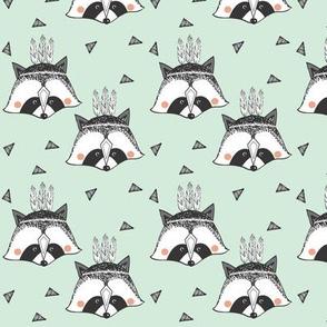 minty raccoon SMALL PRINT - elvelyckan