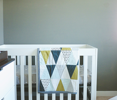 Rrrrtriangle_quilt-_modern_boy_comment_669293_thumb