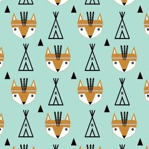 feathered fox mint