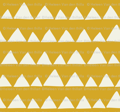 Wolf/Llama triangles on mustard