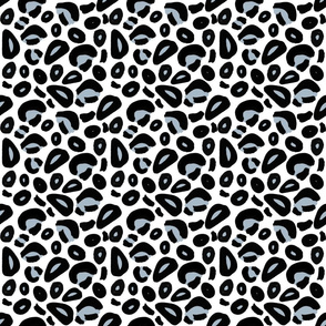ANIMAL_PRINT_6x6_black_white_blue_middles