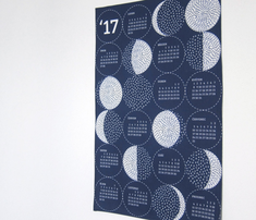 Calendars2019_roostery_moon_us_comment_716453_thumb