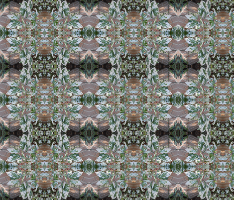 Silver-Tipped Hibiscus Leaves (Ref. 4167) fabric by rhondadesigns on Spoonflower - custom fabric