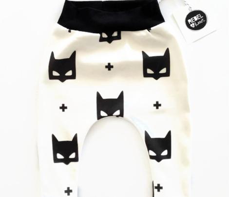 batmask + LG black white