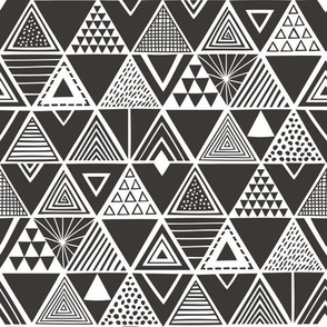 Geometric Triangles Black&White