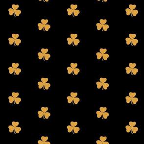 3 Clove Leaf design