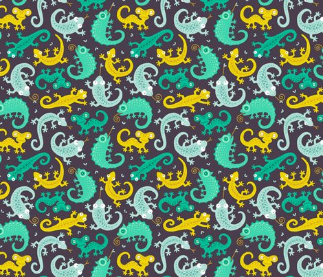 Lizards ditsy on dark brown fabric by heleen_vd_thillart on Spoonflower - custom fabric