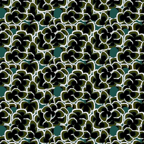FEATHERS PATTERN IN GREEN