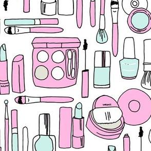 makeup // pastel mint pink
