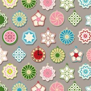 Hot Potholders (Gray) || vintage pads crochet knit star clock watermelon kitchen home economics flower