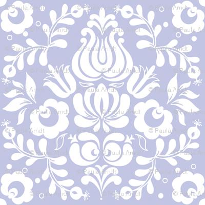 Ingela in white on blue-violet