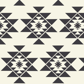 Wayne Collection - Large Geometric Shape