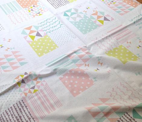 Block border cheater quilt - pastels