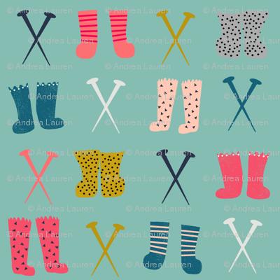 knitted socks // knitting crochet yarn kittens in mittens collection
