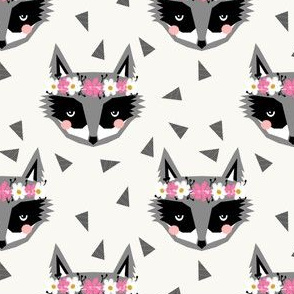 raccoon cream flowers spring girly