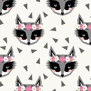 raccoon cream flowers spring girly