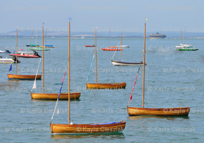 Little-wooden-boats-at-Seaview