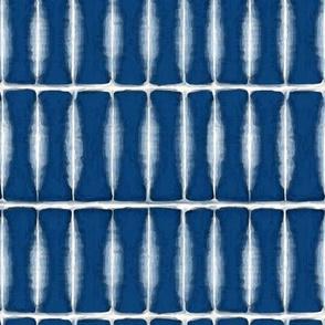 Indigo Feathered Pattern