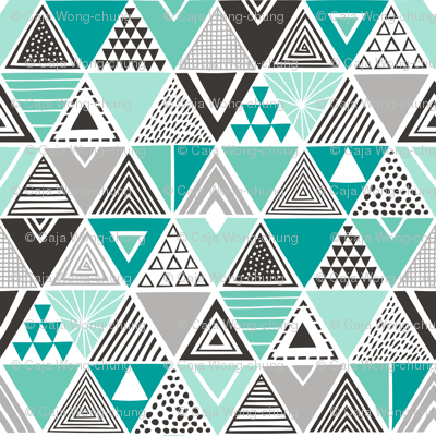 Geometric Triangles Mint Green Black&White