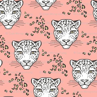 Leopard Head Big Cat Cats on Peach