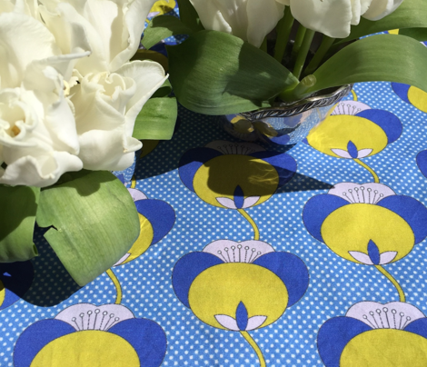 Rtulips_open_blue_gray_polka_dots-04_comment_675826_preview