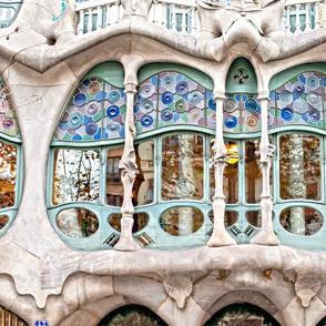 Casa Batllo mirrored