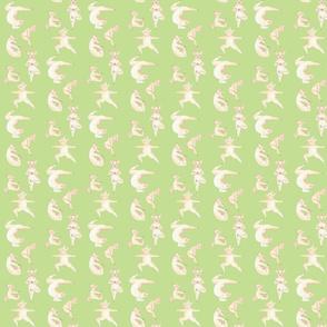 yoga_pig_on_green_
