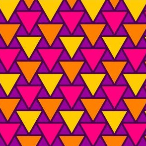 05017075 : triangle 2to1 x3 : karmic