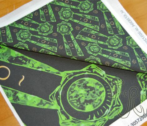 Green Q rosettes