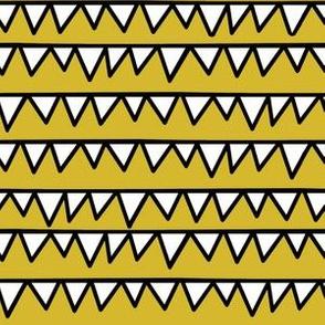 Dino Teeth - Mustard