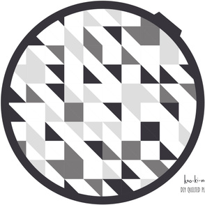 Gray & white monochrome geometric play mat roundie